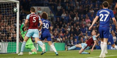 Chelsea Gagal Taklukkan Burnley, David Luiz Gusar